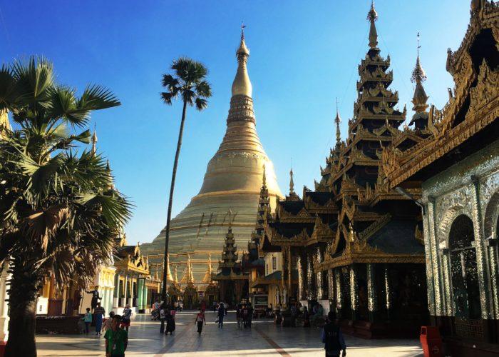 Shwedagon Pagoda cez deň