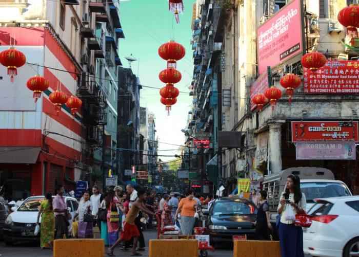 Ulicami Yangonu